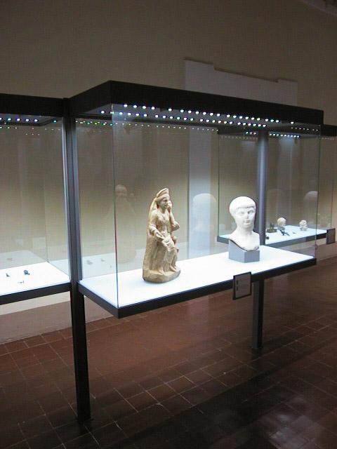 Museo archeologico nazionale dell 39 umbria studio vitruvio - Mostra della porta ...